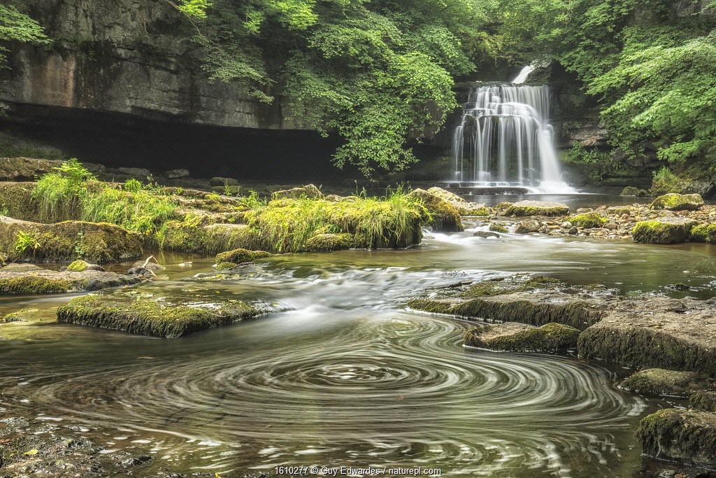 Cauldron Force, West Burton, Yorkshire Dales National Park, North Yorkshire, England, UK