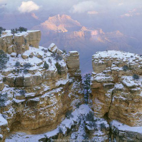 Moran Point with snow on the pinnacles, Grand Canyon National Park, Arizona, USA.