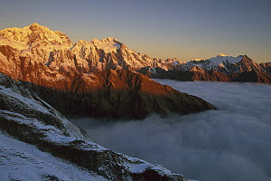 Southern Alps looking south from Mount Fox, West Coast, South Island, New Zealand  -  Nick Groves