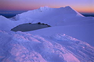 Winter evening on Crater Lake, Mount Ruapehu, Tongariro National Park, New Zealand  -  Shaun Barnett