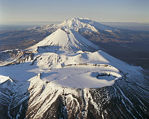 Mount Tongariro, Mount Ngauruhoe and Mount Ruapehu, Tongariro National Park, New Zealand  -  Rob Brown
