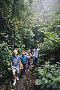 Children in the Monteverde Cloud Forest Reserve, Costa Rica - Michael & Patricia Fogden