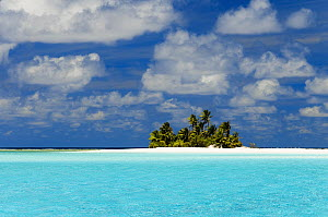 Tropical island, Keeling Islands, Australia  -  Gary Bell/ Oceanwide
