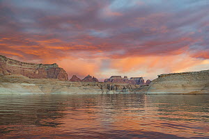 Butte at sunset, Face Canyon, Lake Powell, Glen Canyon National Recreation Area, Utah  -  Jeff Foott