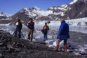 Sync crew filming Sir David Attenborough on South Georgia, 1992, for BBC tv series Life in the Freezer  -  Ben Osborne