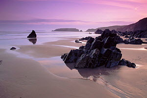 Pembrokeshire National Park - beach at low tide near Strumble Head, Dyfed, Wales  -  Tim Edwards