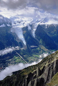 Glacier des Bossons above Chamonix, Alps, France - David Noton