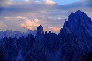 Tre Cima di Lavaredo, Italian Dolomites. Northern Italy, Europe  -  Tim Edwards