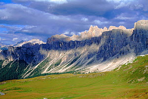 Passo di Giau, August, Italian Dolomites. Northern Italy, Europe  -  Tim Edwards