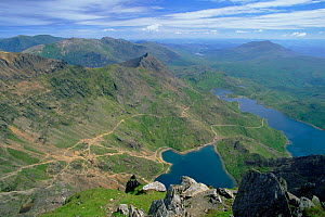 View from summit of Snowdon (1085m), Glaslyn and Llyn Llydaw. Snowdonia NP, Wales, UK, Europe  -  Tim Edwards