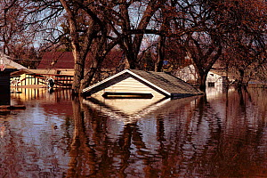 Flooded town, Grand Forks, North Dakota, USA. April 1997  -  GRANT MCDOWELL