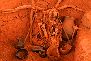 Skeleton and objects in burial site. San Pedro de Atacama, Chile - Pete Oxford