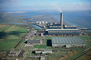Aerial view of Kingsnorth coal fired power station, Medway estuary, Kent, UK - Chris Gomersall
