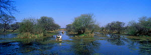 Controlling the spread of aquatic weeds by physical removal as part of land management, Keoladeo Ghana NP, Bharatpur, Rajasthan, India  -  DAVID TIPLING