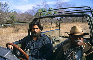 Valmik Thapar (left) and Fateh Singh on location in Ranthambhore NP, Rajasthan, India. Filming for BBC television programme Land of the Tiger - Sacred Waters, December 1996  -  Toby Sinclair