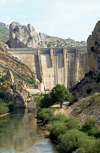 Hydro-electric dam on Noguera river, Lerida, Spain  -  Dave Watts