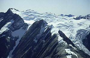 Aerial view of Mount Cook, looking to Tasman Sea, South Island, New Zealand - PETER CRAWFORD