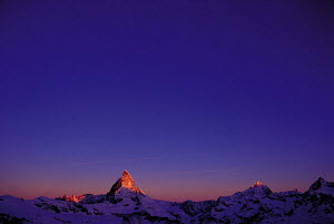 N-22006 The Alps at dawn with the Matterhorn peak, Zermatt, Switzerland. FOR SALE IN THE UNITED KINGDOM ONLY - Aflo
