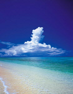 Y-0604 Tropical beach, sea and cloud sky, Yoronto island, Kagoshima, Japan  -  Aflo