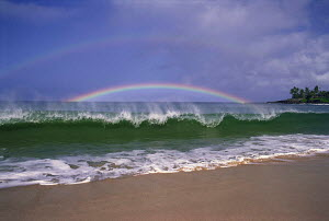Y-11106 Double rainbow over sea with waves breaking on shoreline  -  Aflo