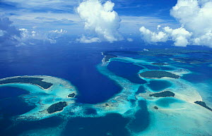 Aerial view of outlying islands, Central Province, Solomon islands, Melanesia - Michael Pitts