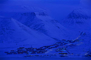 Longyearbyen town in February light, Spitzbergen, Norway - Staffan Widstrand