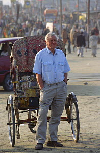 David Attenborough in Allahabad, India, 2002, on location for ^Life of Mammals^  -  Toby Sinclair