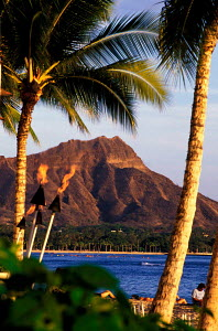 Diamond Head Crater and Waikiki Beach Oahu Hawaii  -  Photo Resource Hawaii