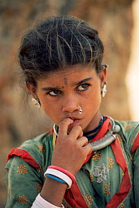 Young Rajasthani woman portrait, Jhalor, Rajasthan, India  -  Toby Sinclair