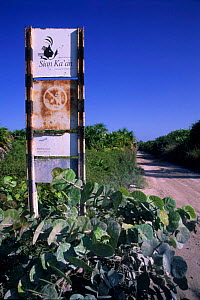 A road sign in Sian Ka'an Biosphere Reserve, Mexico. - Daniel Gomez