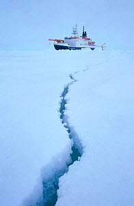 Crack in ice floe in front of icebreaker ship Polarstern. ISPOL (ICE Station Polarstern) Expedition 2004/2005 from Alfred Wegener Institute, Bremerhaven, Germany. The Icebreaker Polarstern was driftin... - Ingo Arndt