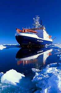 Icebreaker ship, Polarstern, moored on ice floe, photographed at 03:00 am, Weddell Sea, Antarctica FOR SALE ONLY IN UK (Editorial use only)  -  Ingo Arndt