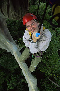 Huw Cordey, producer of Jungles episode, BBC Planet Earth series, up in canopy of rainforest tree, Costa Rica, 2005.  -  Huw Cordey