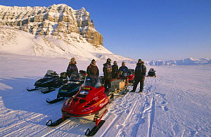 Film crew for BBC 'Kingdom of the Ice Bear' on their way to Leifdefj, Svalbard, Norway, April 1996  -  Mats Forsberg