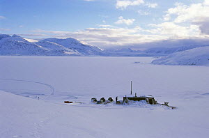 'Texas bar hut' used by film crew on location for BBC 'Kingdom of the Ice Bear', April 1996, Leifdefj, Svalbard, Norway  -  Mats Forsberg