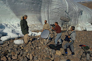 Producer Neil Nightingale and film crew filming David Attenborough on Ellesmere Island, Canada, presenter of BBC 'Private Life of Plants', 1994  -  NEIL NIGHTINGALE