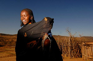 Young Borona woman with child, Oma valley, Ethiopia 2006  -  Laurent Geslin