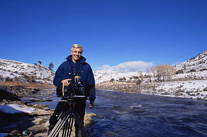Andrew Cooper, Producer, in Yellowstone NP, Wyoming, USA, January 1999, filming for BBC NHU programme - Andrew Cooper