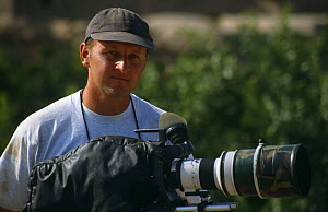 "Cameraman Gavin Thurston on location in Iran, filming for BBC television series ""Nature of Iran"", 1996  -  NIGEL MARVEN"