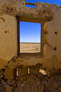 One of many historic ruins along the Oodnadatta Track that once supported the Old Ghan Railway, Oodnadatta Track, South Australia - Steven David Miller
