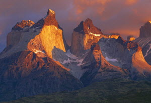 View of Los Cuernos del Paine, Torres del Paine NP, Patagonia, Chile, February 2003  -  Inaki Relanzon