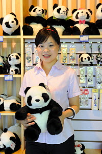 Vendor at the giftshop of the Chengdu Research Base of Giant Panda Breeding and Conservation - Eric Baccega