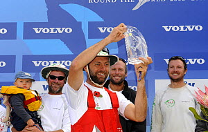 """Skipper Ian walker (GBR) with trophy after finishing fourth in """"Green Dragon"""" on leg one of the 10th Volvo Ocean Race into Cape Town, November 2008. For EDITORIAL USE only. - Rick Tomlinson"""