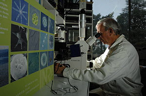 Jean-Claude Druard, research scientist at INRA  (French National Institute for Agricultural Research) working on Algae of Lake Leman, Geneva, France, 2007 - Laurent Geslin