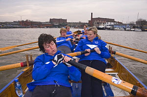 Ladies' gig practice on Bristol Floating Harbour, approaching Underfall Yard. January 2009.  -  Merryn Thomas