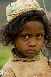 Young girl in the rice fields, south Madagascar.  -  Inaki Relanzon