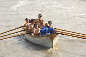 """""""Young Bristol"""" crew in the """"Bristol Challenge"""" race on the River Avon, March 21st 2009.  -  Rob Cousins"""