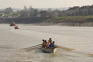 """""""Young Bristol"""" crew during the """"Bristol Challenge"""" race along the River Avon, March 21st 2009.  -  Rob Cousins"""