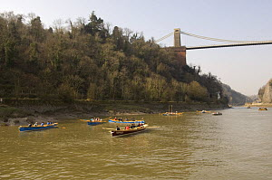 """Gigs on the River Avon at the end of the """"Bristol Challenge"""" race, beneath the Clifton Suspension Bridge. March 21st 2009. - Rob Cousins"""