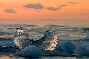 Glacier ice laying on the sea shore. �r�fi, Iceland.June 2008  -  Orsolya Haarberg